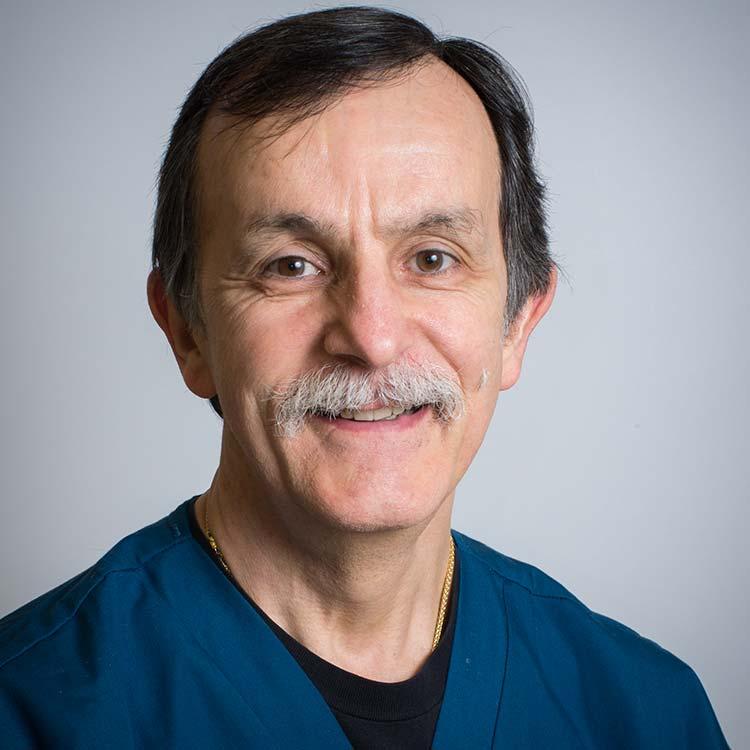 Dr. Loïc Legendre